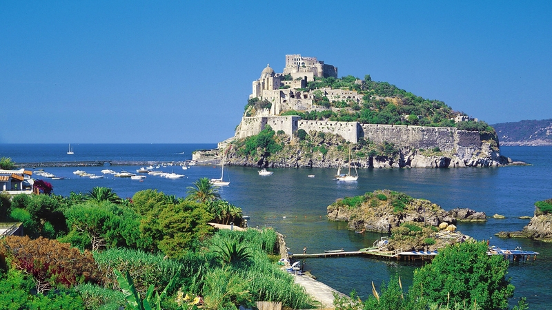 Goboony-Travel-Blog-Italy-Ischia-coast