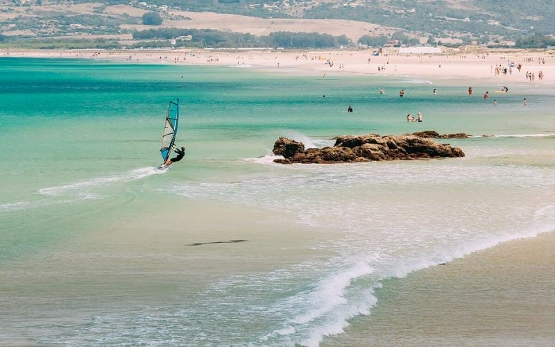 vijf leukste windsurfspots van europa tarifa