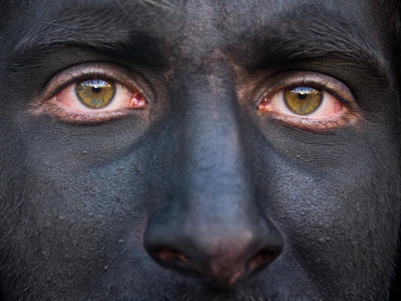 Goboony visit Sardinia holiday carnival face paint