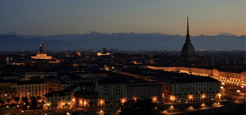 content_Goboony-Torino_in_Camper-_Torino_night_view.001