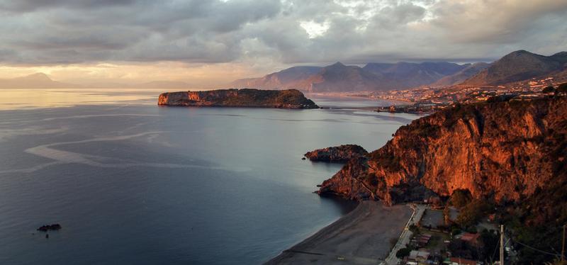 content_Goboony-_Calabria_in_Camper-_Praia_a_Mare.001.