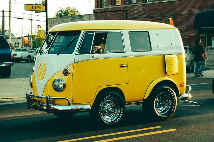 Volkswagenbusje geel mini