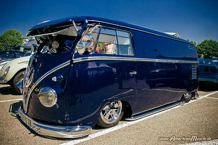 Volkswagenbusje donkerblauw
