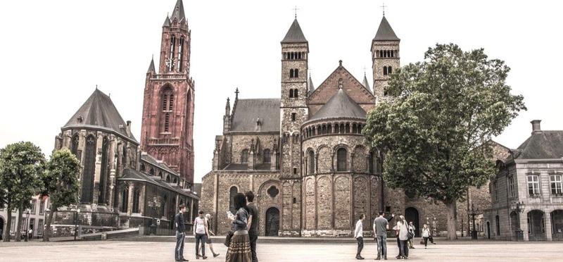 Goboony Camperplaats Maastricht Kerk Plein
