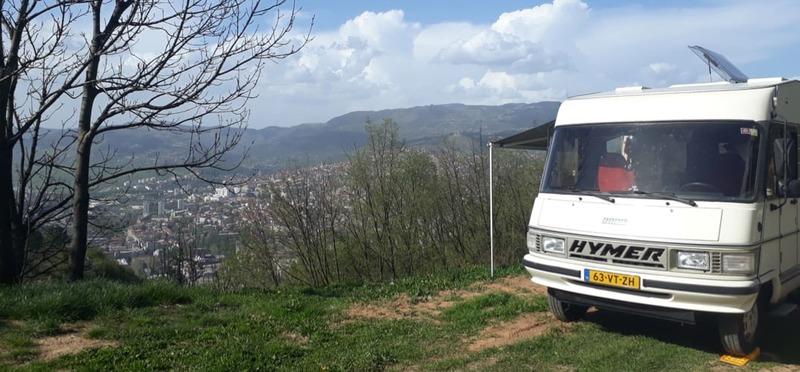 Goboony Guus en Sandra Bosnië uitzicht op sarajevo