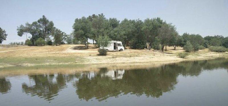 Goboony Camperplaats Water Barragem de Povoa
