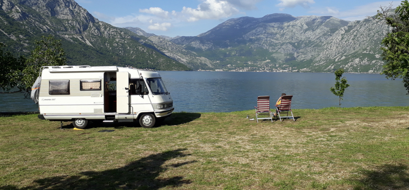 Goboony Motorhome Campervan H2 Lake Rent Out