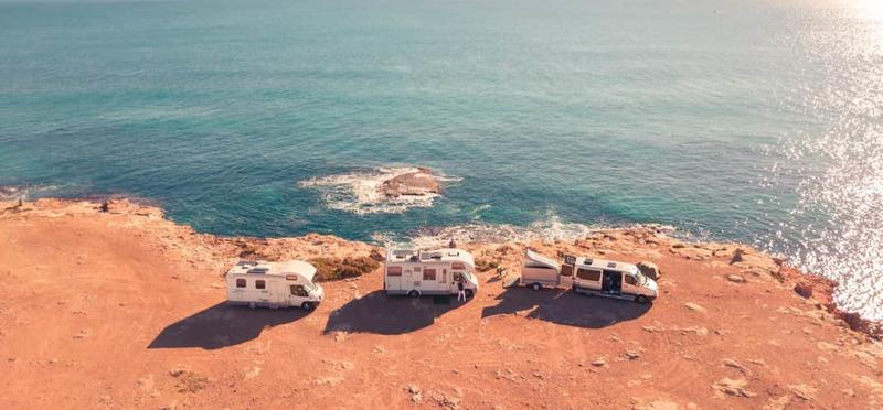 Goboony Camperreizen Europa campers aan zee