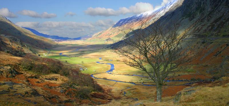 Snowdonia Valley Dinas Emrys H2 Goboony