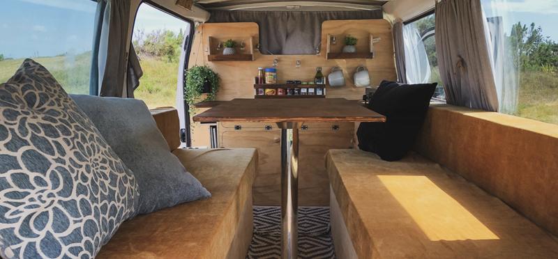 Goboony Kay en Esther by Nomads camper bouwen