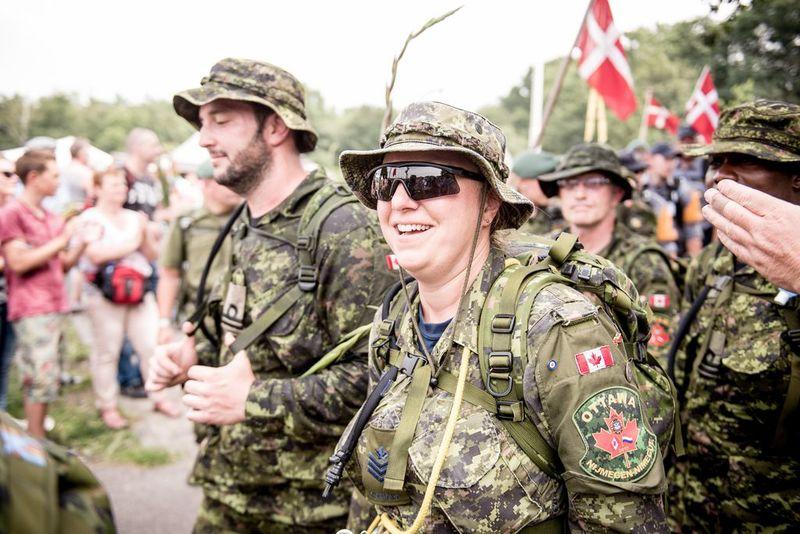 Nijmeegse Vierdaagse militairen lopen 40 of 50 kilometer