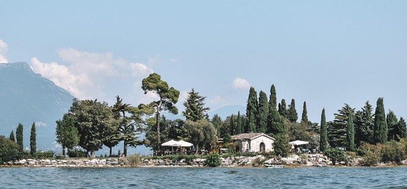 Goboony kleine camping Gardameer Isola di San Biagio