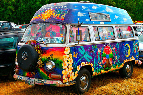 Originaler VV Bus im Hippie-Look