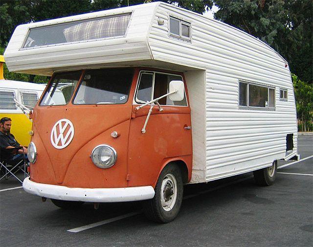 VW Bus mit genügend Platz zum reisen