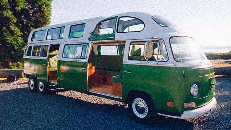 traum von VW bus mit vielen fenstern
