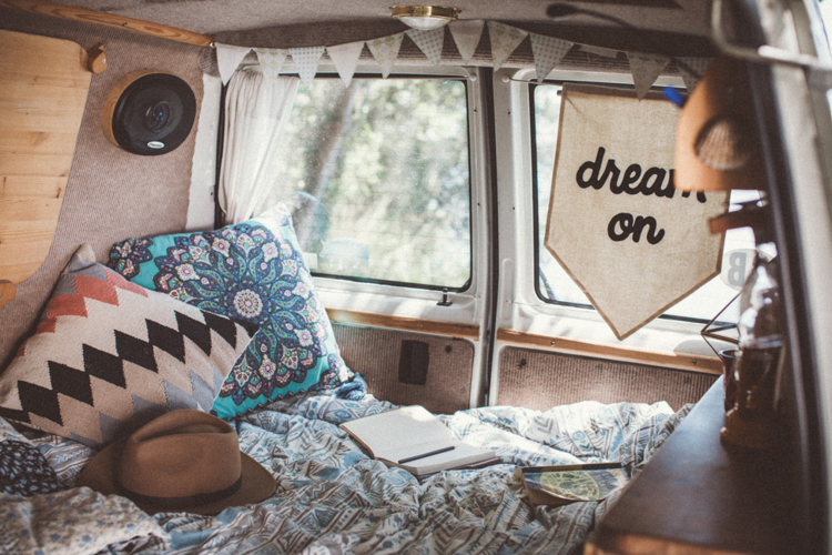 Gezellig camper bed