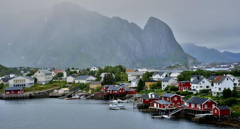 Norvegia vilaggi situati vicini ai laghi