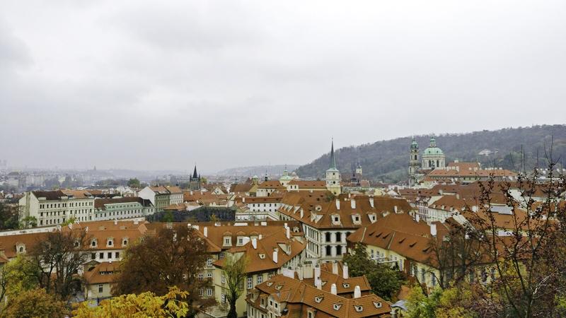 Highlights in Praag uitzicht brug camper goboony