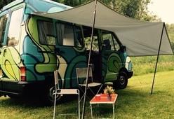 Break Free Campers – Unieke en hippe camper!| Renault Trafic | 2 pers. | graffiti busje |