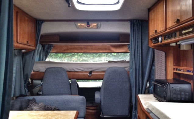 Stoere Retro Camper Hymer Mercedes S-klasse 6 pers.