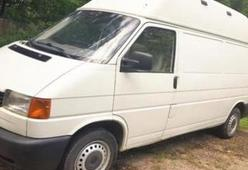 Mooie camper volkswagen transporter 1998 met airco te huur