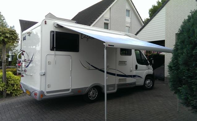 Luxe 2/3 persoons camper met garage en sterke 130 pk motor