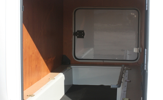 Luxe Camper met 6 cyl automaat