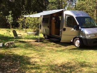 Campy – Buscamper Pössl Duett / Fiat Ducato 128 PK en 5.60 meter lengte