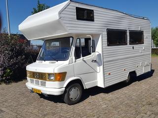 207 – Nette mercedes 207 oldtimer camper uniek! erg populair onder de jongeren !