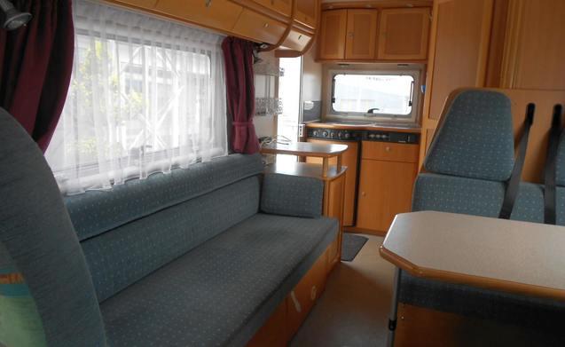 miete dieses dethleffs wohnmobil mit 5 leuten in goes ab. Black Bedroom Furniture Sets. Home Design Ideas