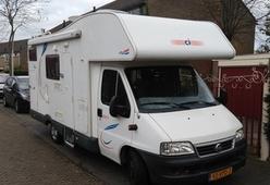 6 persoons camper, stapelbed, apart douche toilet, garage, ruime keuken.
