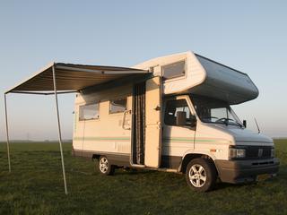 Betaalbare (stapelbed) camper!
