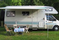 Elnagh Marlin 65 Nostalgische camper met rondzit, royale keuken en toilet!