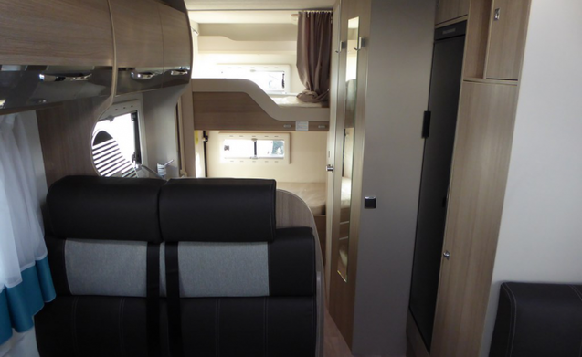Compact motorhome fully equipped