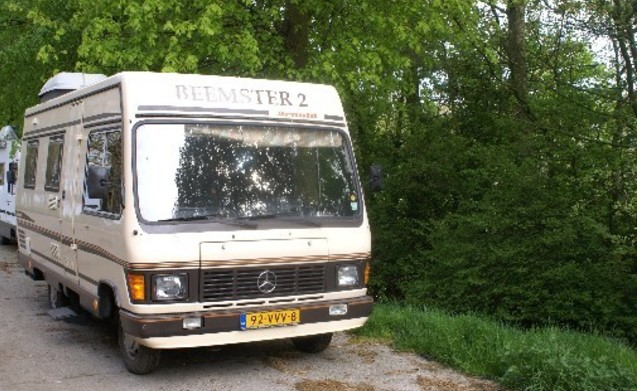 Rent this mercedes benz motorhome for 4 people in for Mercedes benz rv rentals