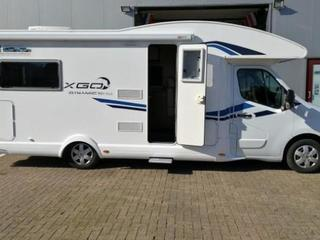 Moderne half-integraal camper met tv, airco en 200 gratis extra's