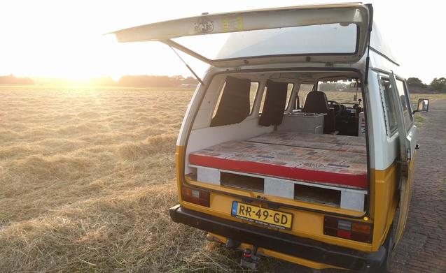 T3 - Een klassieker! – Volkswagen T3 in orginele kleuren. Icoon!