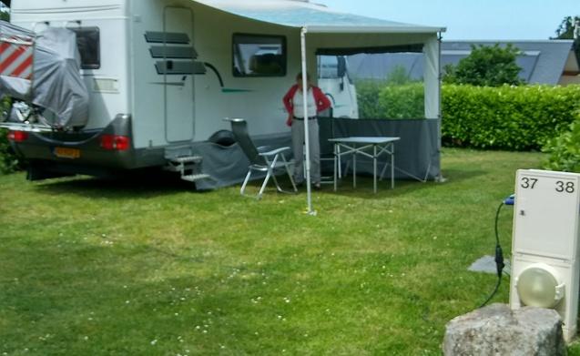 Vakantiehuis op wielen – Vakantiehuis op wielen: Hymer B544