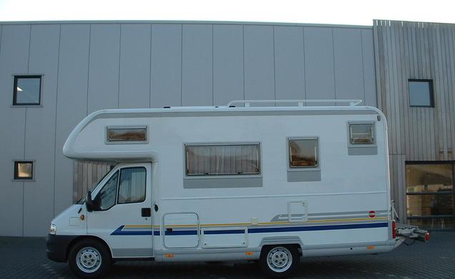 6 pers Bürstner camper huren in Gieten? € 529 pw  Goboony # Wasbak Gieten_222813