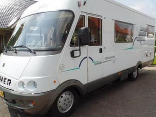 Mooie 5 persoons Hymer b644