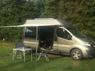 Kiwi – Mooie Renault ECO camper geheel zelf voorzienend + standkachel