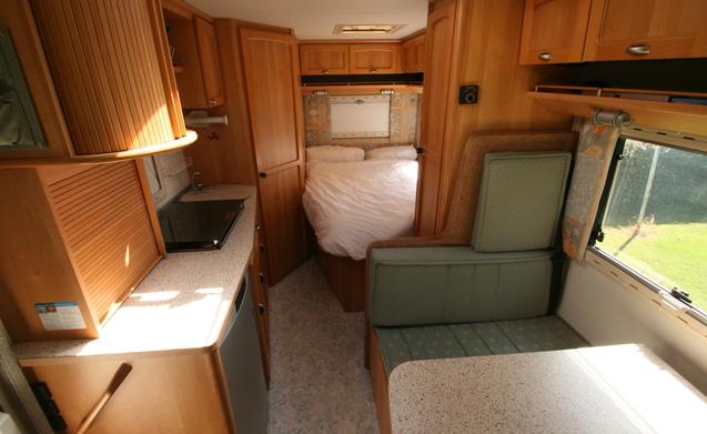 nette Complete camper Bürstner i574 elegance
