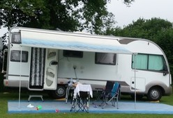 Nette, ruime familie camper 4-6 personen met stapelbed
