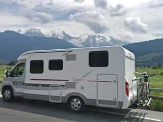 Nieuwe, luxe en comfortabele halfintegraal camper (automaat)