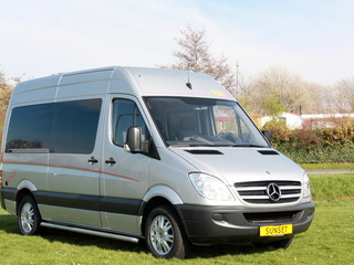 Sunset   – Te huur: MB Sprinter buscamper, vast bed, automaat, airco,