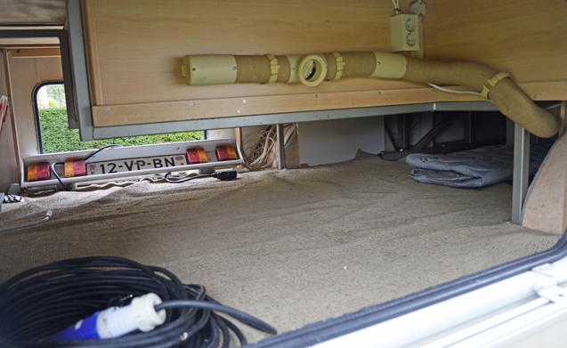 209 – Eura Mobiel 665HS met ruime rondzit. incl. oven, cruisecontrol en trekhaak!