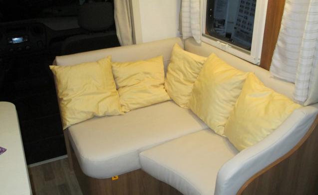 Nieuwe camper - 6 vaste slaapplaatsen + 2 optioneel