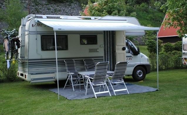 Noleggia questo lmc camper per 4 persone in roermond da al for Tettoia per camper