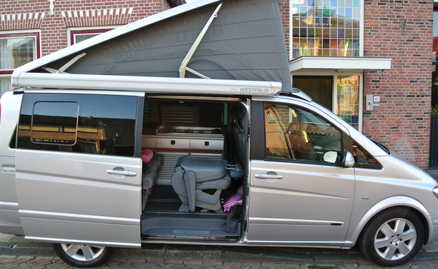 4 pers westfalia camper huren in rijnsburg p d goboony. Black Bedroom Furniture Sets. Home Design Ideas