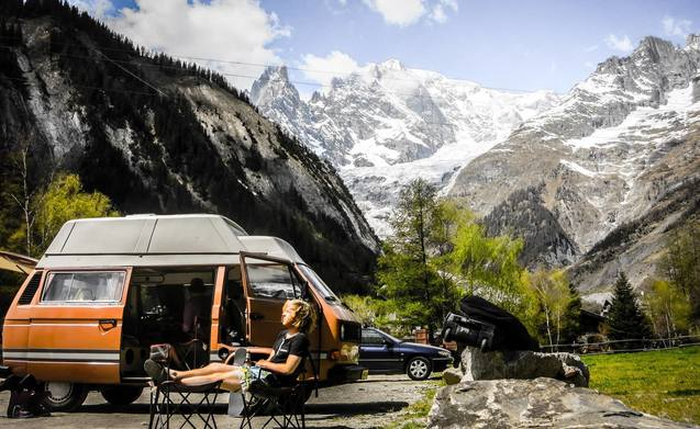 Orginele Volkswagen T3 camper met hoogdak